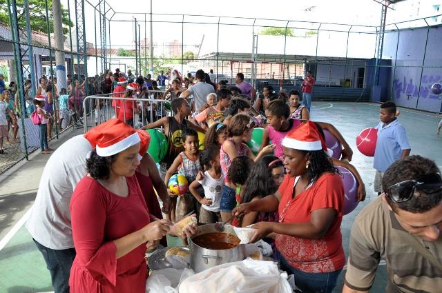 Natal solidário PR 14