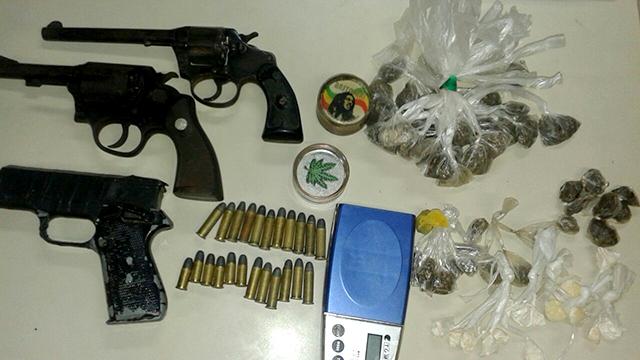 PM apreende armas, drogas, munições e material no Pq. Boa Vista