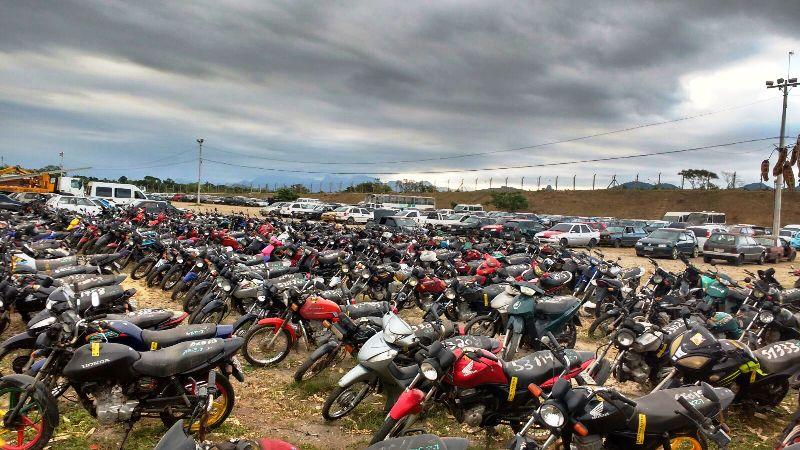Pátio Norte motos e carros